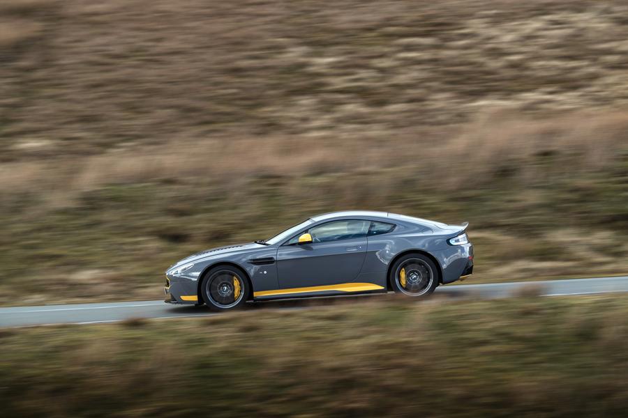 Aston Martin Vantage (2016->>) (2)