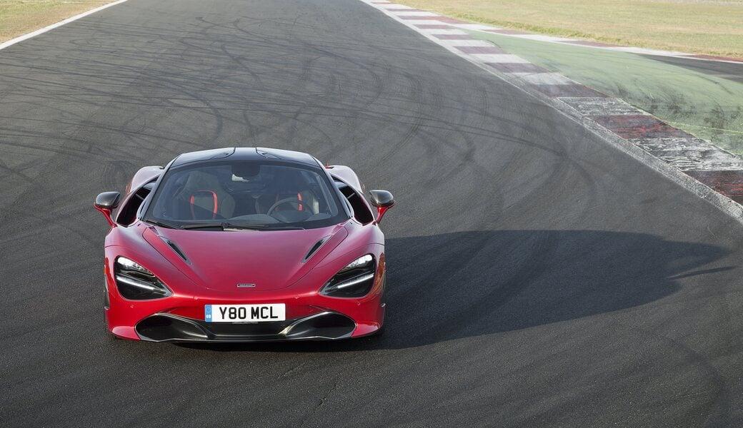McLaren 720S (3)