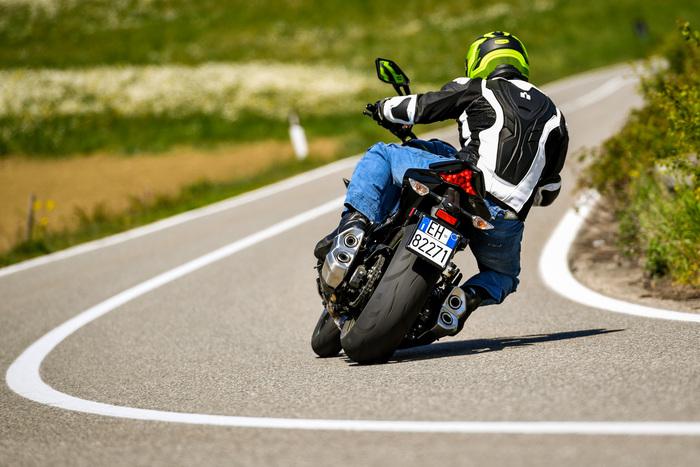 La Kawasaki calza gomme Dunlop