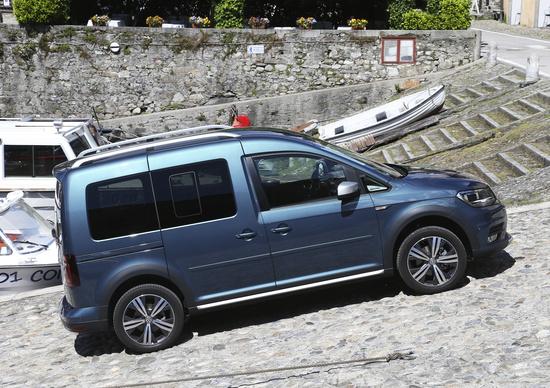 Volkswagen caddy tgi a metano. puliti alla meta prove automoto.it