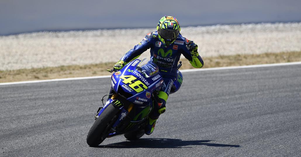 """MotoGP 2017. Rossi: """"Colpa della moto"""". Vinales: """"La M1 va benissimo"""""""
