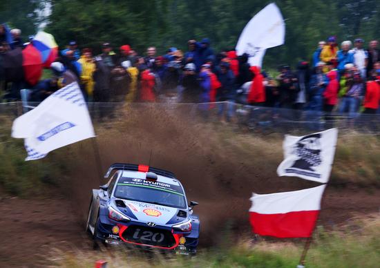 WRC17 Polonia, Day 1. Neuville (Hyundai) nella Tempesta
