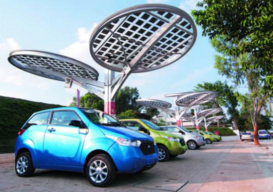 India, entro il 2030 solo auto elettriche