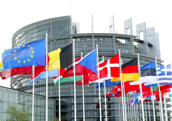 Mercato Europa: giugno a +2,1%, nel semestre +4,6%