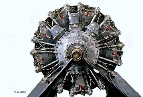 Nei motori d'aviazione al decollo si sfruttava ampiamente il raffreddamento interno ottenibile con una miscela aria-carburante fortemente ricca. Nel Pratt & Whitney R-2800 qui mostrato si adottava una dosatura prossima a 9, mentre quella stechiometrica è circa 14,7!