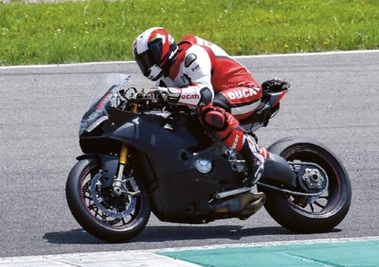 Ducati 1.000 V4 2018: debutto a settembre a Misano