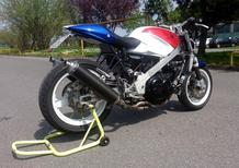 Le Strane di Moto.it: VFR 750F naked