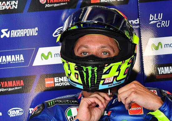 MotoGP. Rubate le lastre alla gamba di Valentino Rossi