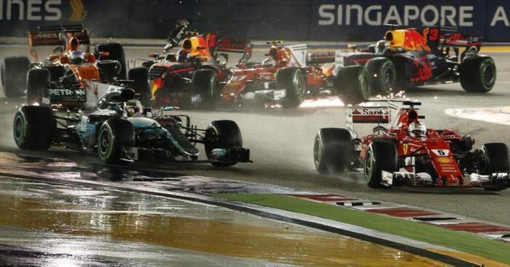 F1, GP Singapore 2017: incidente Ferrari-Verstappen, nessuna penalità