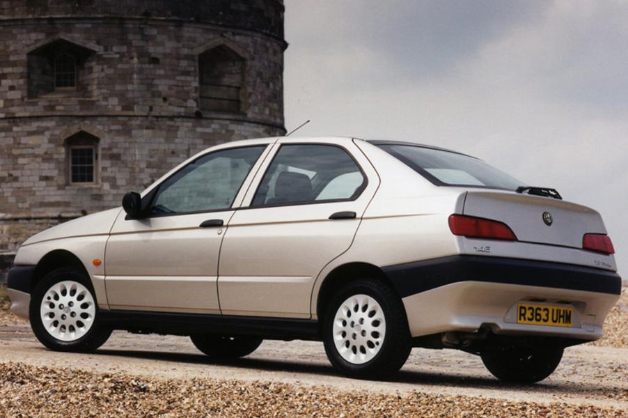 Alfa Romeo 146 (1995-01) (5)