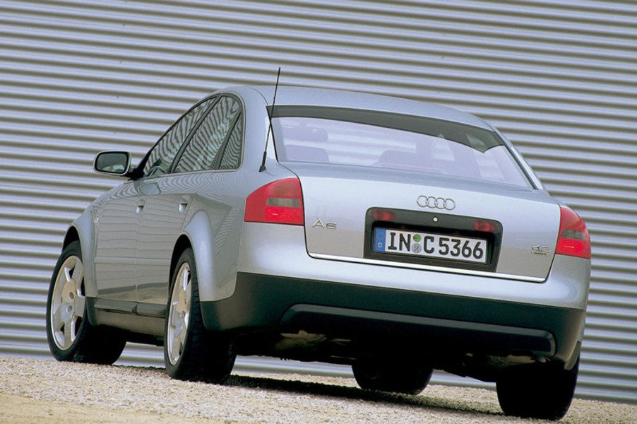 Audi A6 1.8 T 20V cat Advance (3)