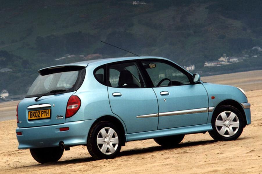 Daihatsu Sirion 1.3i 16V cat 4WD CX Seqtronic (3)