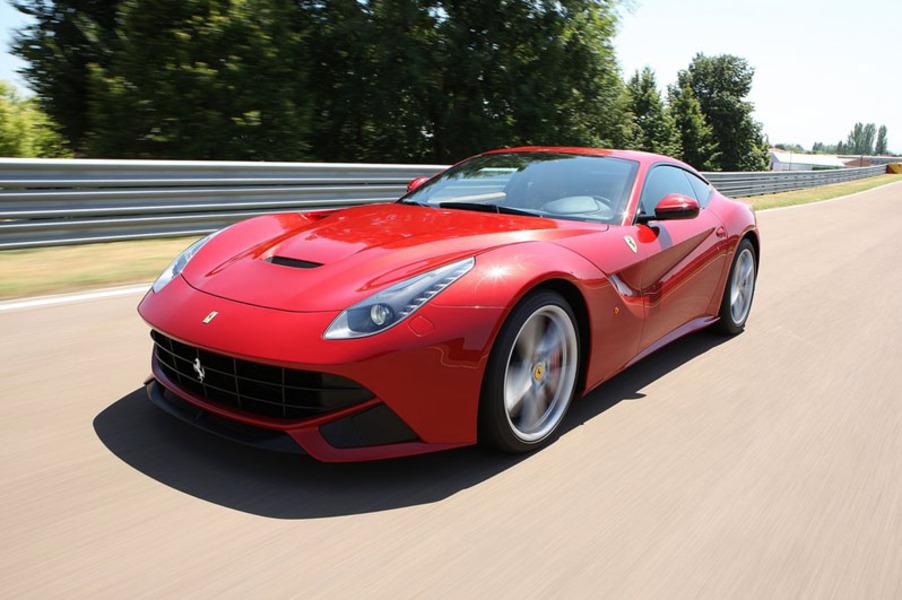 Ferrari F12 Coupé (3)