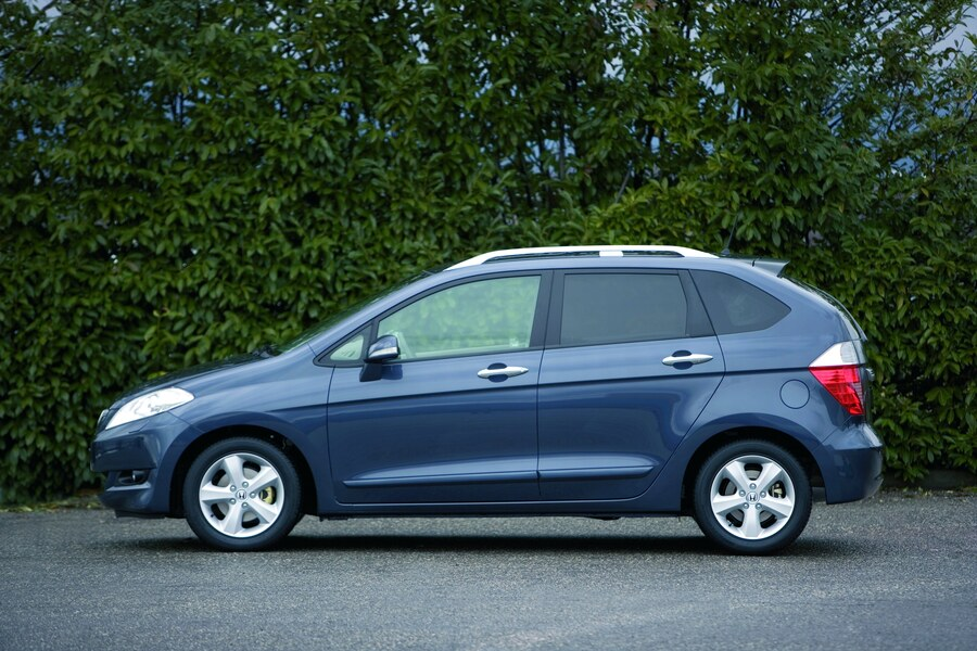 Honda FR-V (2004-10) (3)