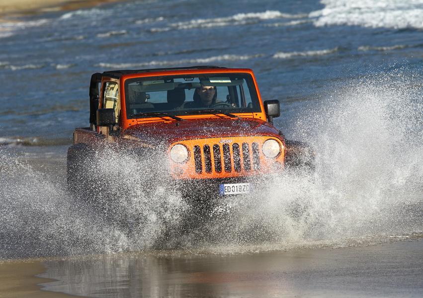 Jeep Wrangler 2.8 CRD Sport Auto (3)