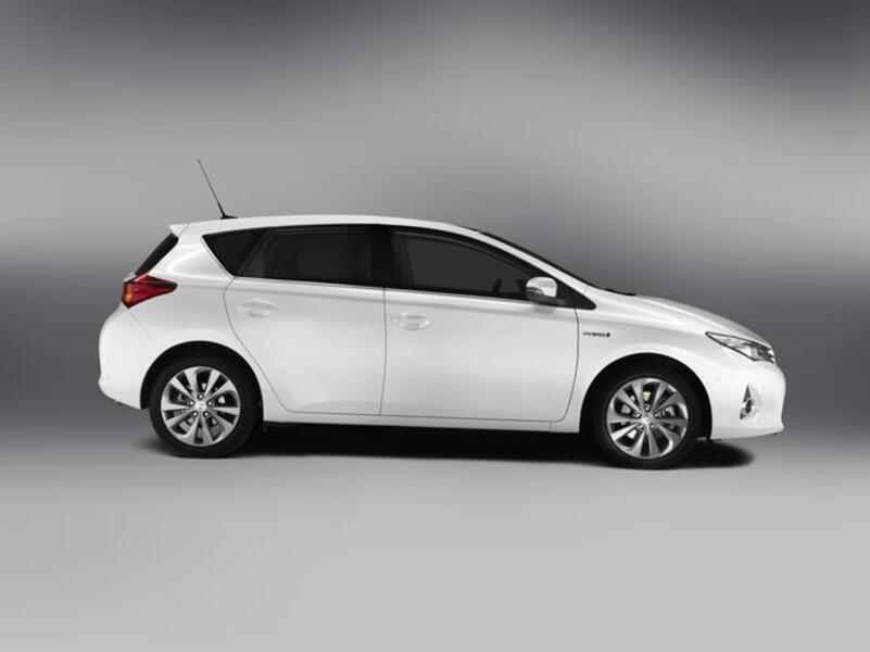 Toyota Auris 1.8 Hybrid Business (4)