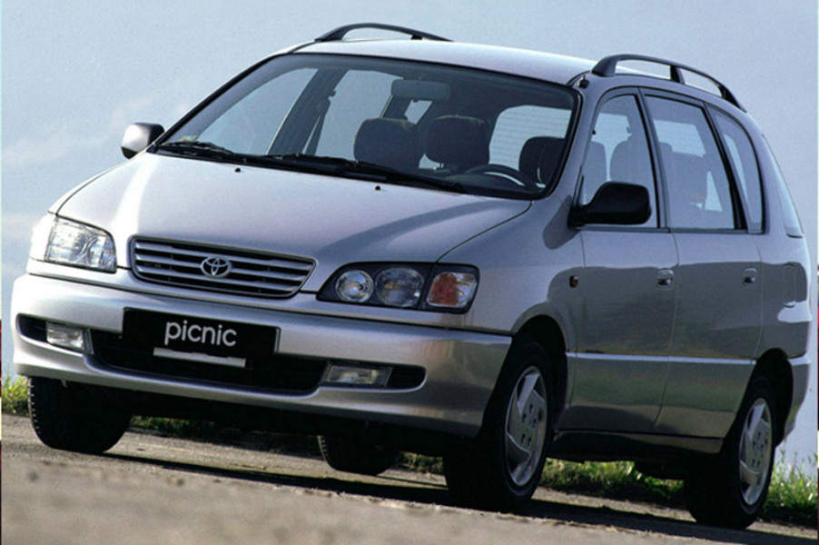 Toyota Picnic (1996-01)