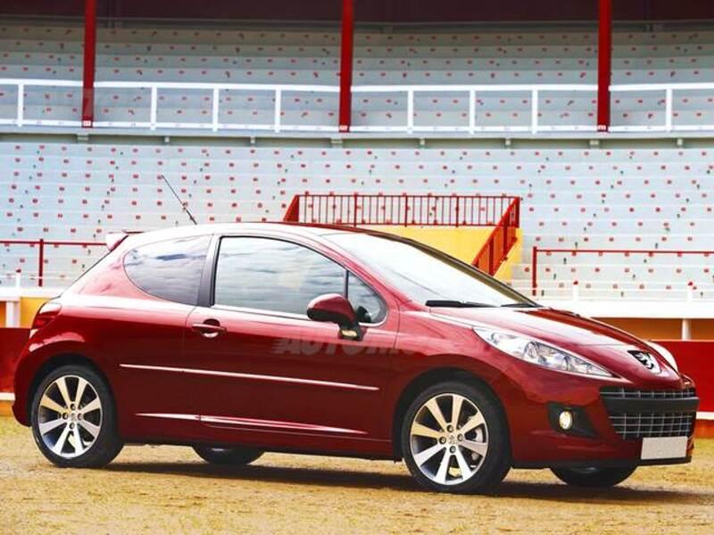 Peugeot 207 HDi 70CV 3p. Access