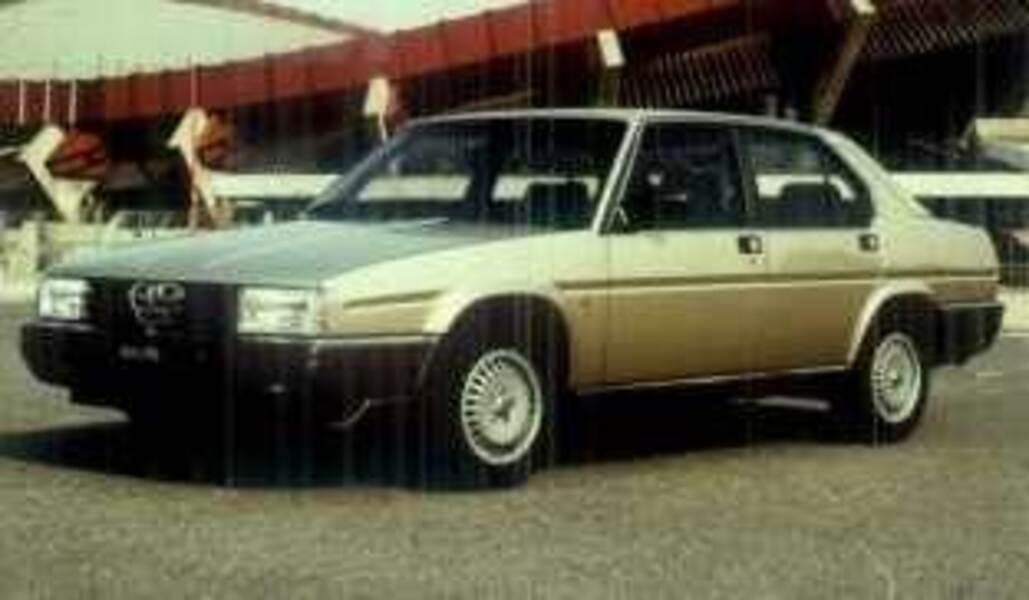 Alfa Romeo Alfa 90 2.0i Super