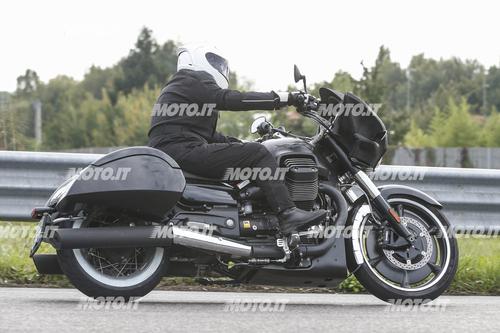 Foto Spia: Moto Guzzi California Bagger (5)
