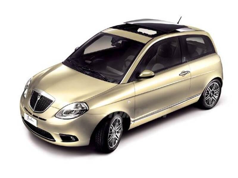 Lancia ypsilon 1 2 oro 12 2008 03 2010 prezzo e scheda tecnica - Lancia y diva 2010 scheda tecnica ...