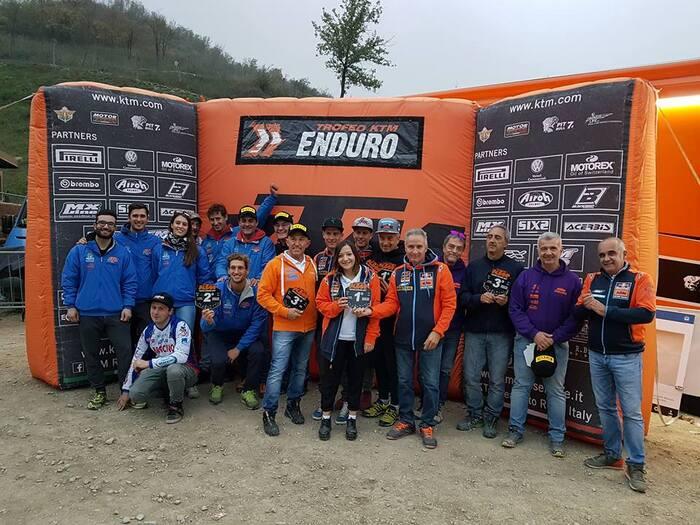 Le premiazioni di fine giornata con Angelo Crippa (ad di KTM Italia)