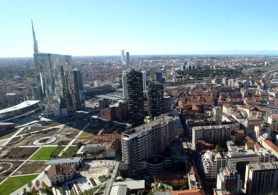 Milano, sospeso il blocco dei Diesel Euro 4 per lo smog