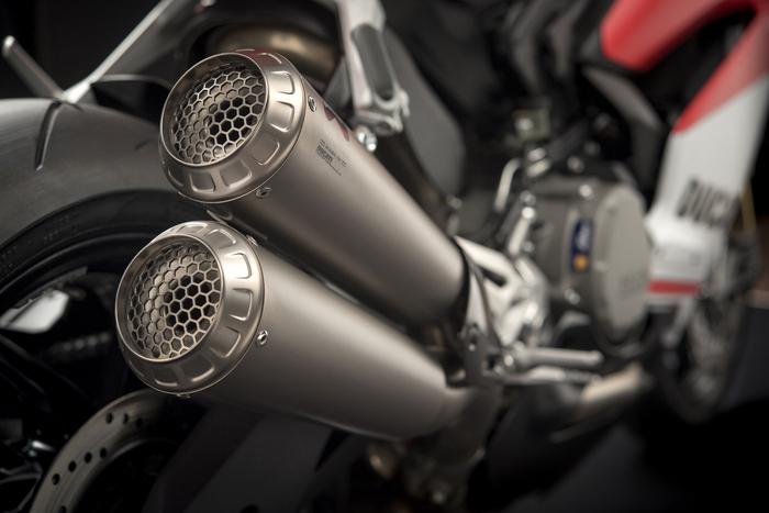 I silenziatori Ducati Performance by Akrapovic della Panigale 959