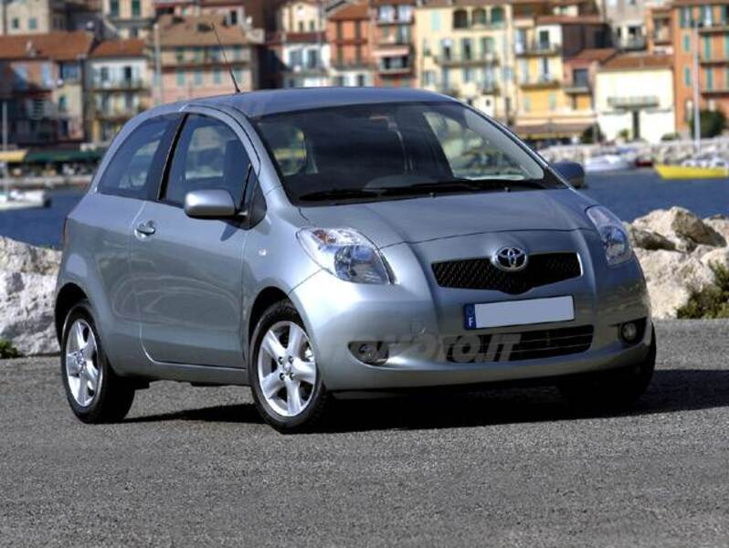Toyota Yaris 1.0 3 porte Now GPL