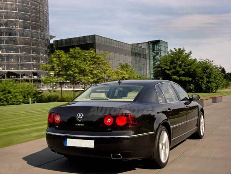 Volkswagen Phaeton V8 4MOTION tiptronic 5 posti