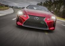 Lexus LC500h | Sgommate, sgommate... e poi via con l'ibrido [Video]