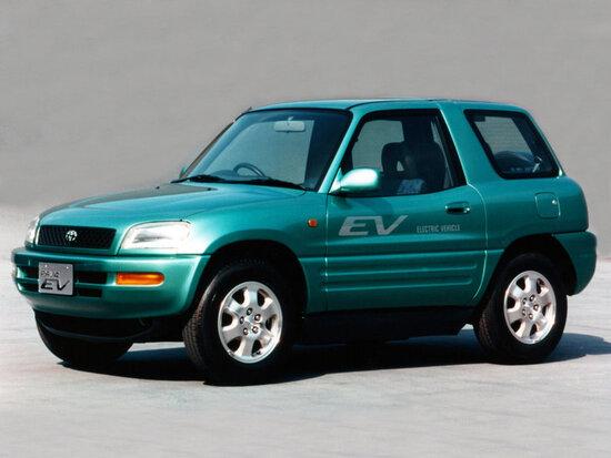 Una delle prime ma futuriste edizioni di Toyota RAV4