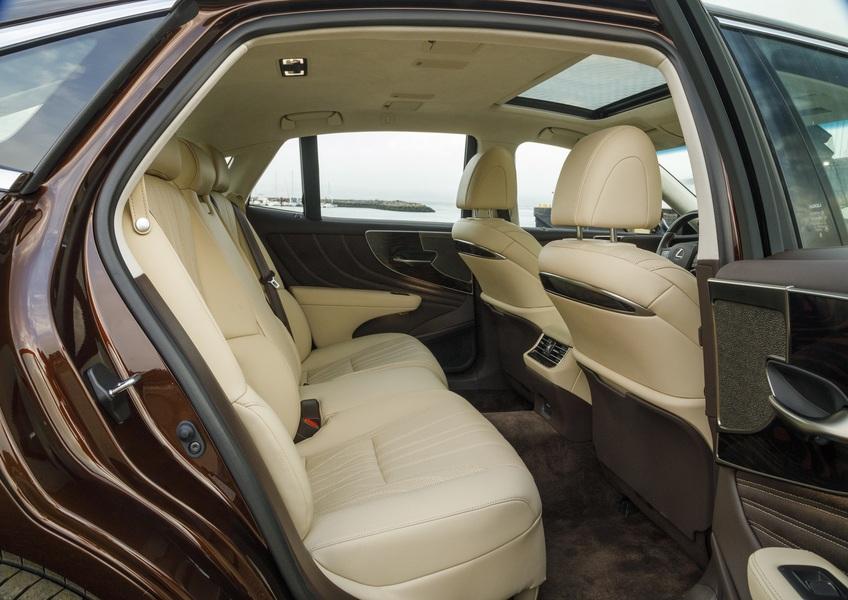 Lexus LS (3)
