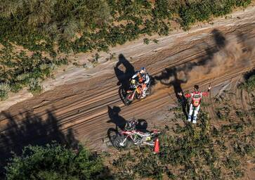 Dakar 2018. Brabec, Ten Brinke, Villagra out, Walkner (KTM) e Sainz (Peugeot) a un passo