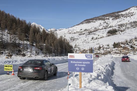 Maserati Ghibli in azione nei test comparazione pneumatici 2018