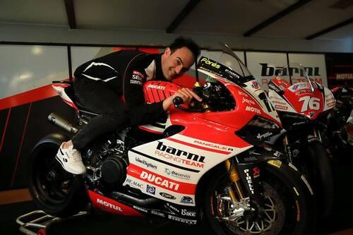 Il Team Barni Racing presenta la Ducati Panigale V4 che porterà al  National Trophy (4)