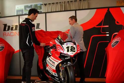 Il Team Barni Racing presenta la Ducati Panigale V4 che porterà al  National Trophy (6)