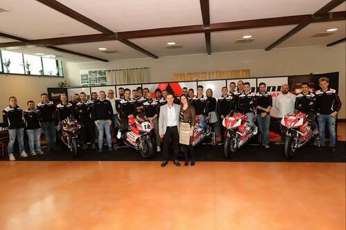 Il Team Barni Racing presenta la Ducati Panigale V4 che porterà al  National Trophy (9)