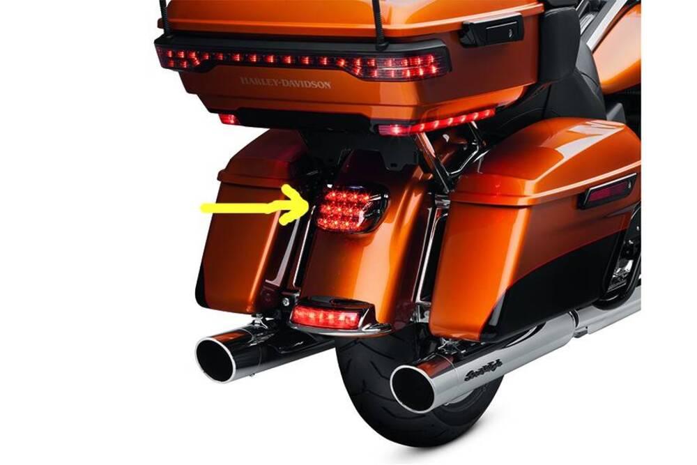 67800614 FARO POST. LED RED H-D Harley-Davidson (2)