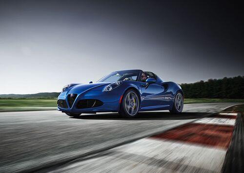 Alfa Romeo 4C, al Salone di Ginevra 2018 le Competizione e Italia (8)