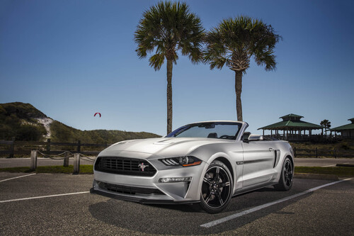 Ford Mustang GT California Special, allestimento old style (4)