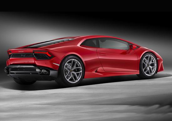 Lamborghini Huracán LP580-2: a trazione posteriore, per veri manici