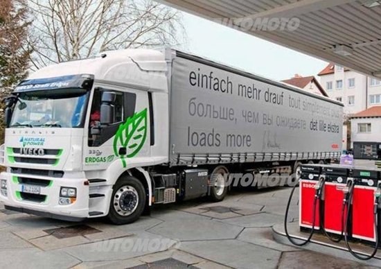 Arrivano gli incentivi, fino a 13.000 euro per autocarri a metano