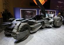 Batman v Superman: la Batmobile diventa... ibrida!
