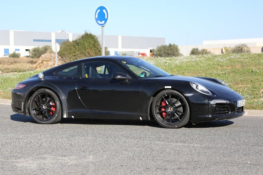 Nuova Porsche 911 2018, ecco il muletto. Sarà ibrida ...