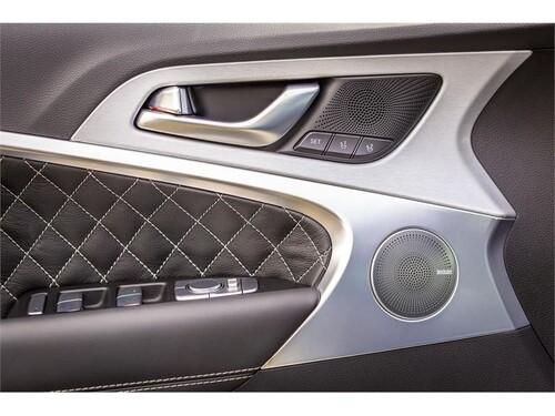 New York Auto Show 2018: ecco la nuova Genesis G70, berlina di lusso - video (6)
