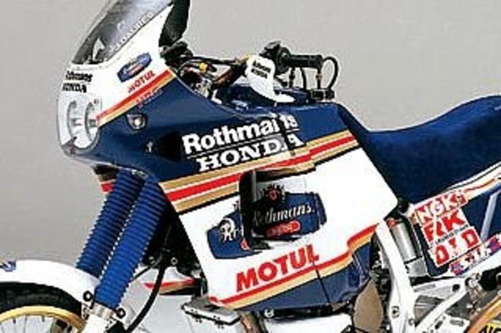 NXR 750, dominatrice della Parigi Dakar sul finire degli anni '80