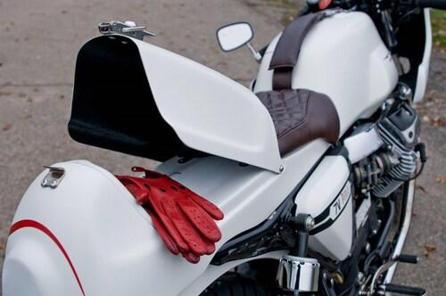 Le strane di Moto.it: Moto Guzzi V7 Peplo (4)