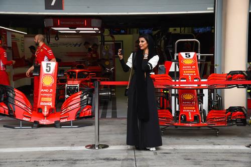 F1, GP Bahrain 2018: vince Vettel (3)