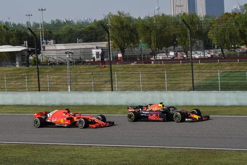 F1, GP Cina 2018: tra i due litiganti, Ricciardo gode  (8)
